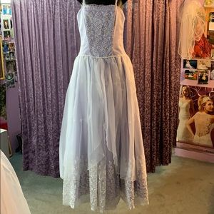 Dresses & Skirts - Gorgeous lilac dress!